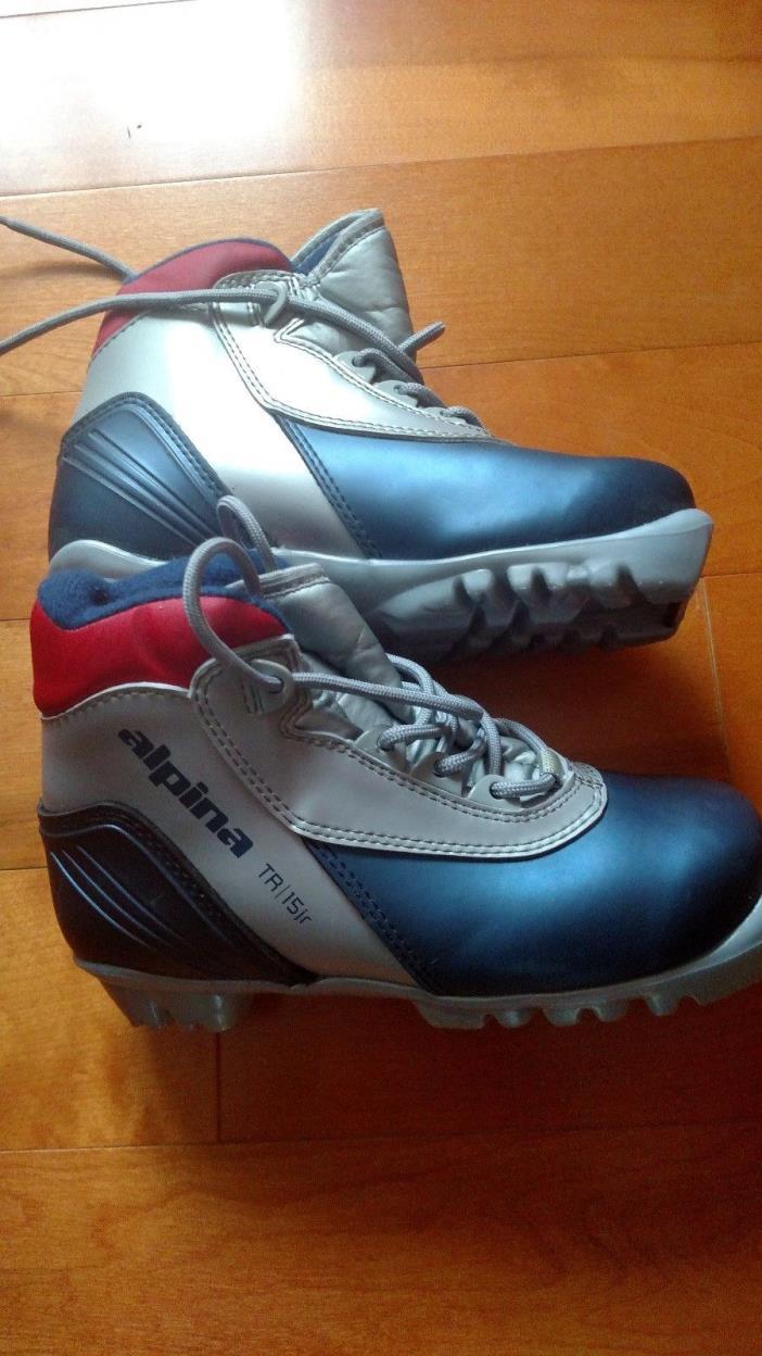 Alpina TR15 Jr NNN Cross Country Ski Boots Children 's Size 31 EU Size 13 USA