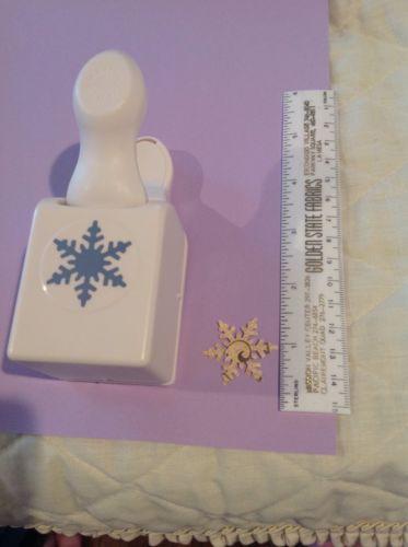Martha Stewart Craft Punch Alpine Snowflake  -  - Christmas