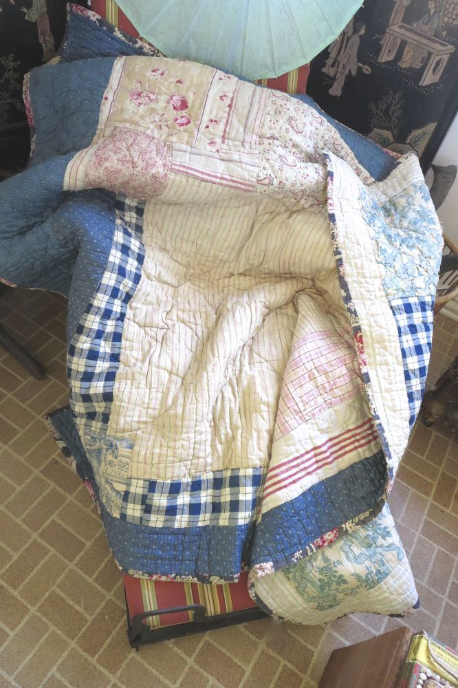 ANTIQUE FRENCH BOUTIS PATCHWORK QUILT DOCUMENT MANY FABRICS AS IS