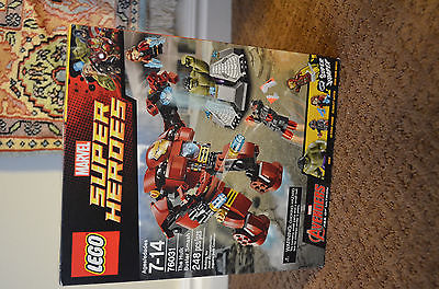 New in Box Lego CITY Surfer Rescue (60011) Beach Shark Surf Board Jetski Wetsuit