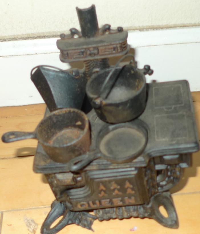 Vintage Antique Cast Iron Salesman Sample Queen Stove Pan Pot Coal Accessories
