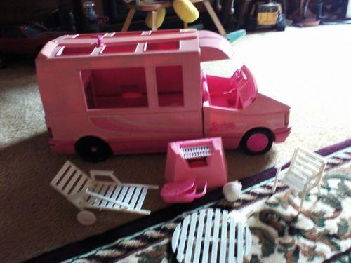 1988 Vtg Barbie Pink RV