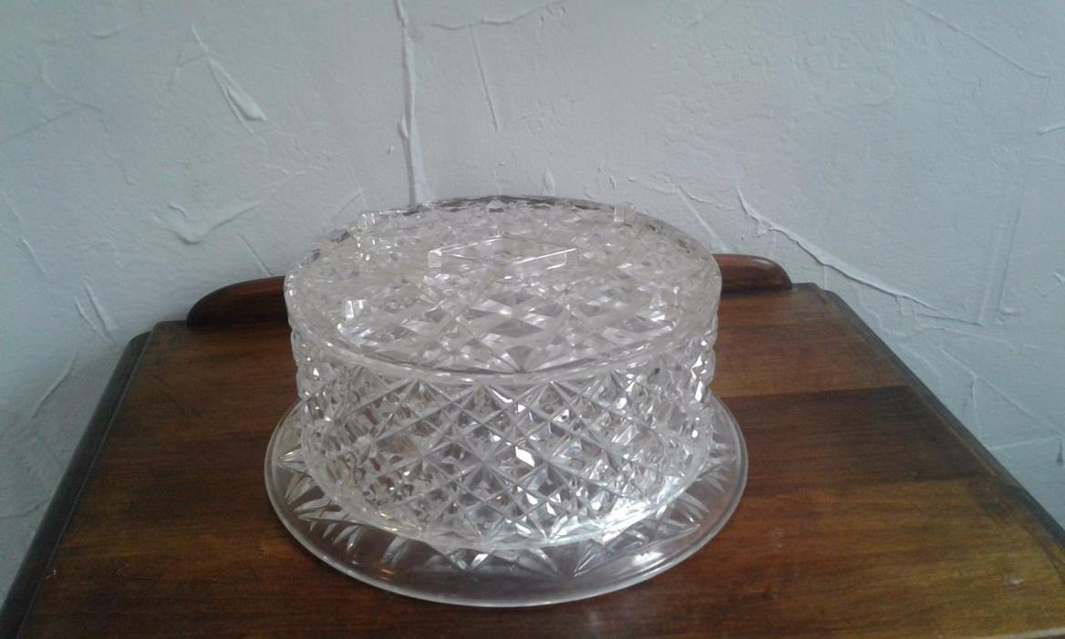 VINTAGE PLASTIC DIAMOND FACET CAKE HOLDER COVER AND STAND
