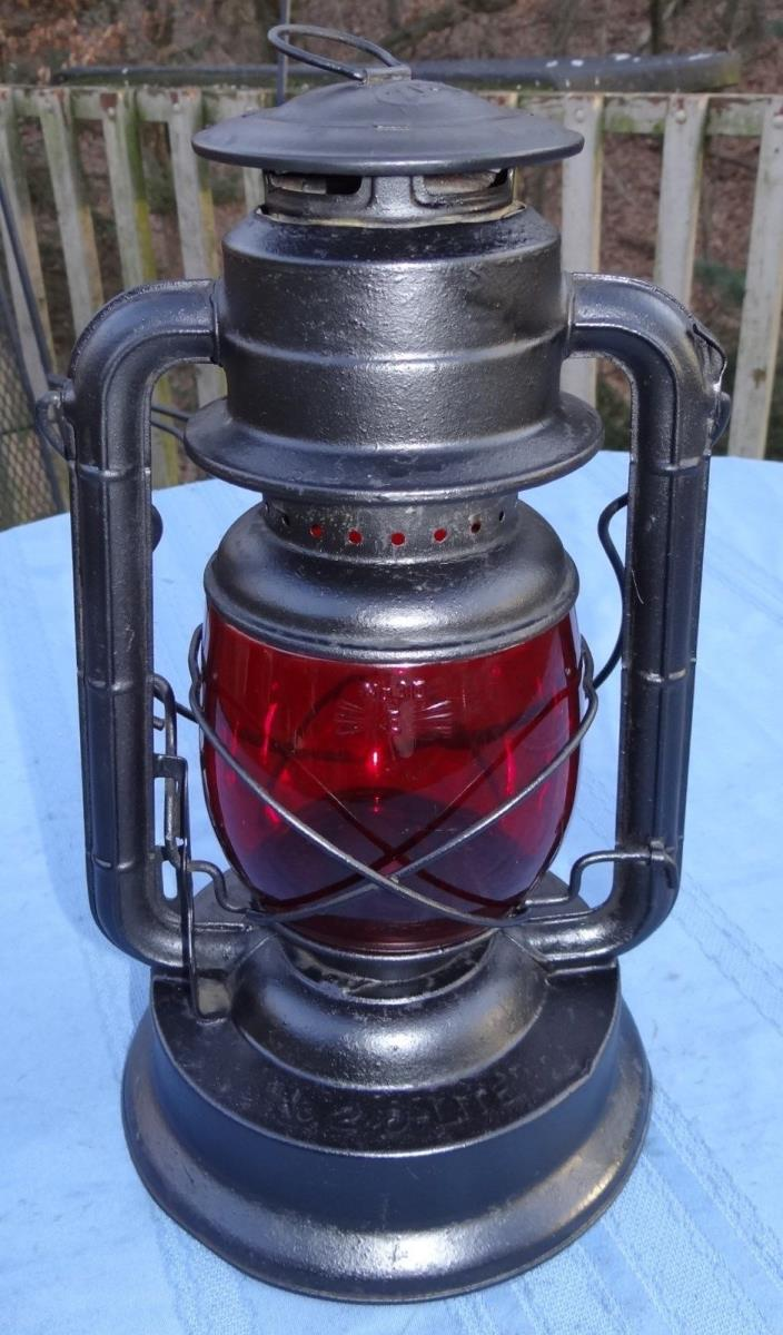 Dietz D-Lite #2 Barn Lantern Red Glass Globe #30E Kerosene Railroad