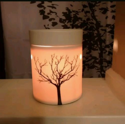 Tilia Scentsy warmer- nib and wax bar. FREE SHIPPING  2017
