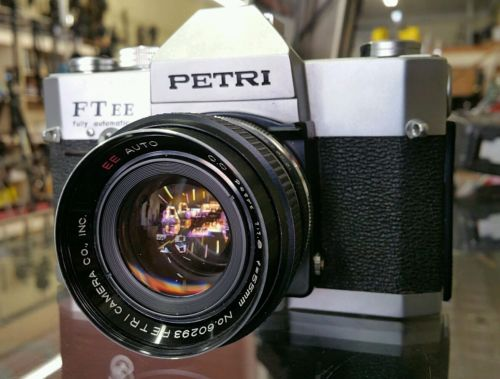 PETRI FT EE FULLY AUTOMATIC FILM CAMERA W/ 55mm f1.8 c.c ee auto lens