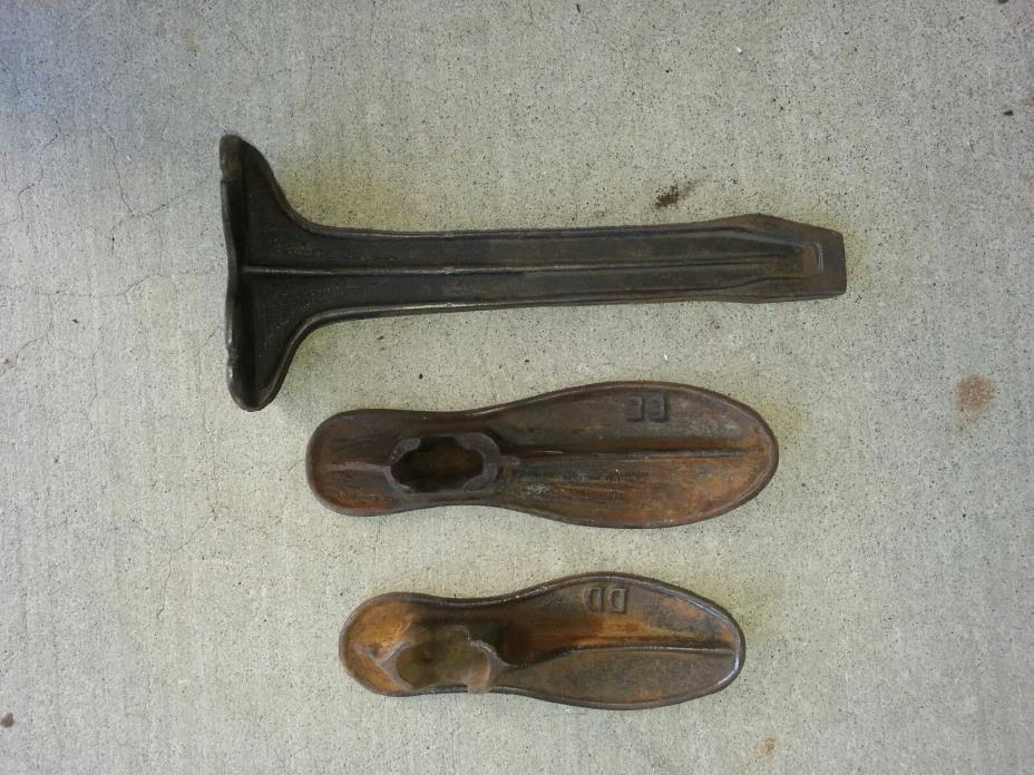 Old Iron shoe stand Display