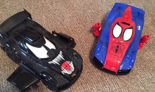 Marvel RideMakerZ 2012 Spider-Man and Venom Xtreme Customz Kit Ages: 5+