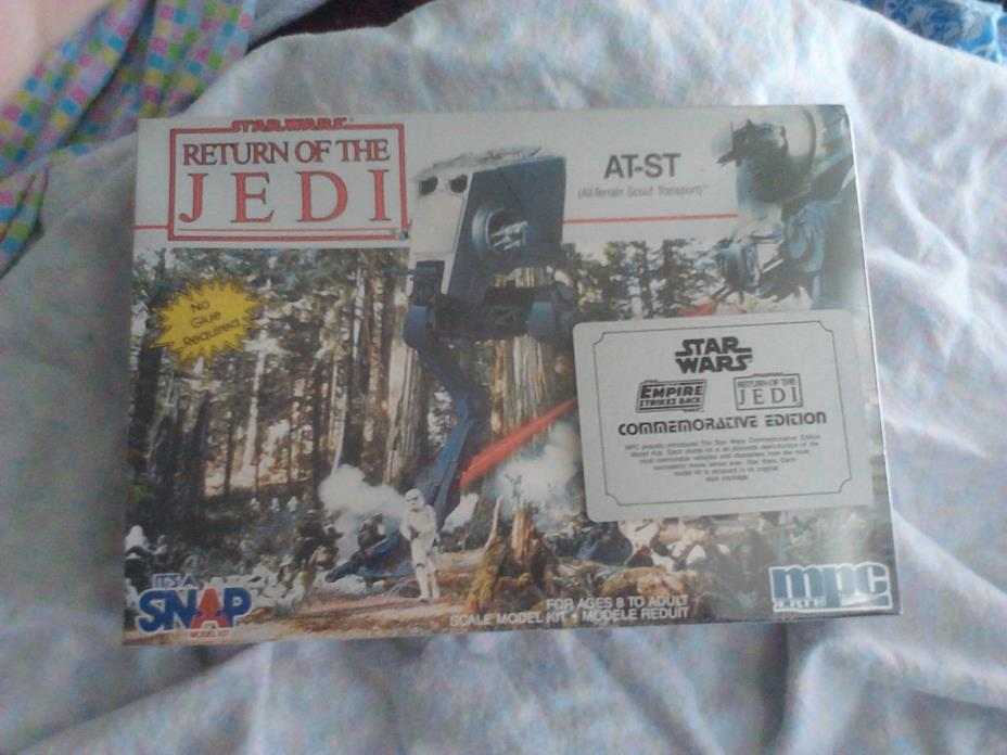 ERTL AMT Star Wars Episode I Droid Fighters, new, sealed in shrink wrap.