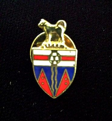Vintage Miniature Lion & Crest Hat Tie Lapel Pin Jewelry