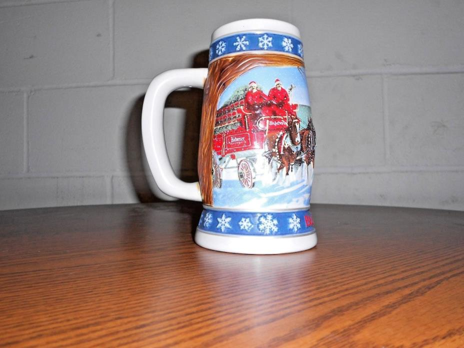1995 CS 293 COLLECTIBLE BUDWEISER HOLIDAY STEIN LIGHTING THE WAY