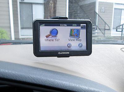 GARMIN nuvi 40 GPS w/MOUNTING KIT and CAR CHARGER BUNDLE