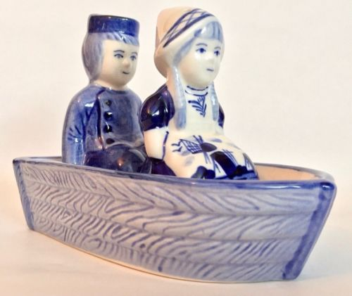 Delft Blue Dutchman & Maiden SALT and PEPPER SET ~ Vintage Excellent Condition