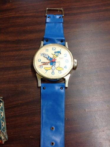 VINTAGE DISNEY WALL CLOCK BIG WATCH