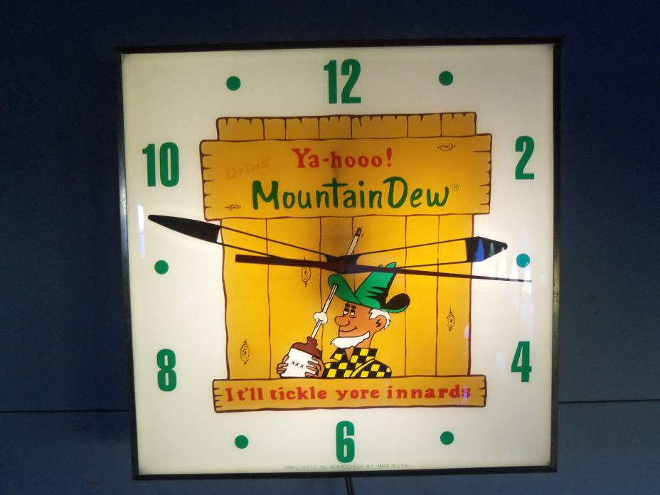 Vintage Mountain Dew Pam Advertising Lighted Clock