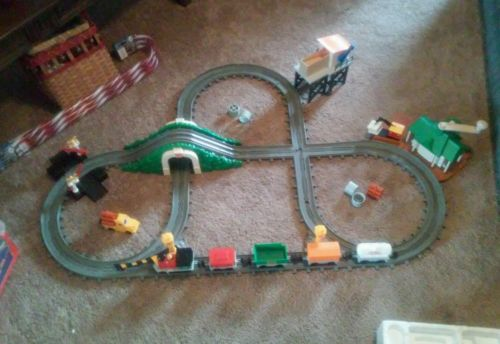 1988 Fisher Price Magic Track Train Set Crank Railway Complete Works