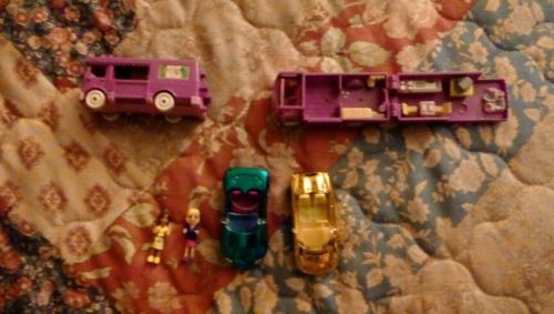 Vintage Polly Pocket 1994 2 RV, 2 Figures and 2 Cars. Free Ship.