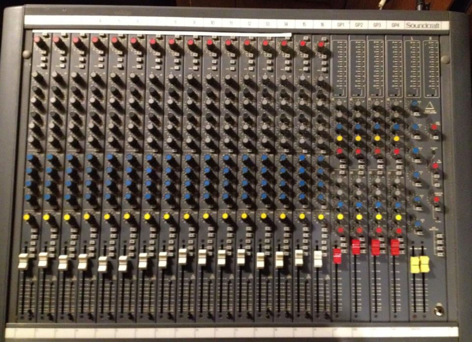 Soundcraft Mixing Console Delta 200 and Power Supply.  Excellent Condition