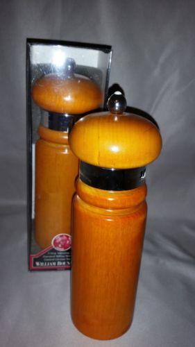William Bounds Traditional Wooden  Salt/ Pepper Mill Set