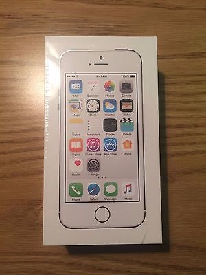 Straight Talk Apple iPhone 5S 16GB 4G White/Silver LTE Smartphone