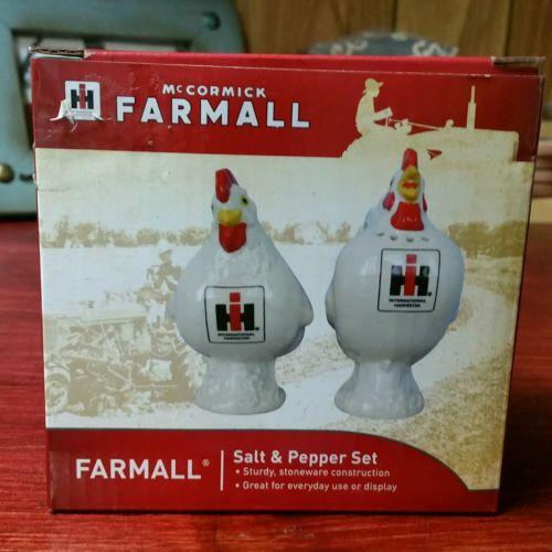 McCormick Farmall International Harvester Hen/Rooster Salt & Pepper set