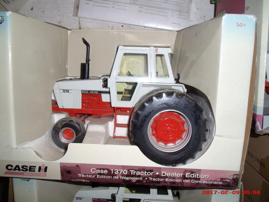 Case Tractor Showroom : Toy tractors case for sale classifieds