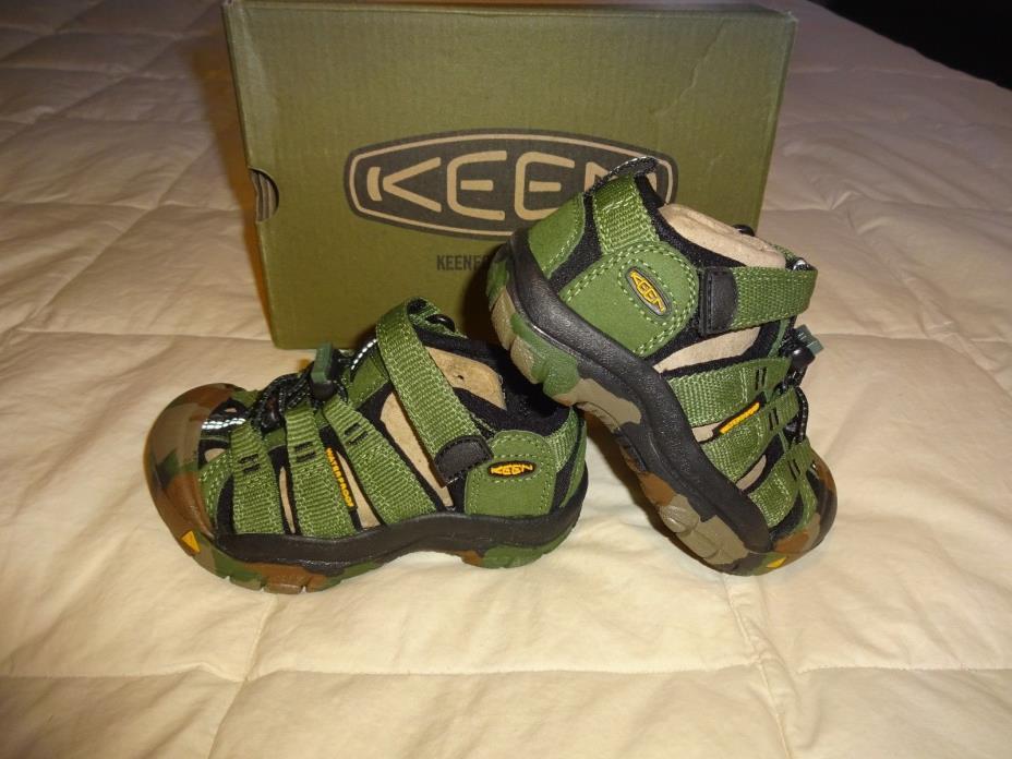 NEW Boys KEEN Sandals, size 4 sandals, Green Camo, Newport