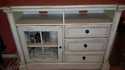 ANTIQUE WHITE CONSOLE TABLE, ENTERTAINMENT CENTER EXCELLENT CONDITION
