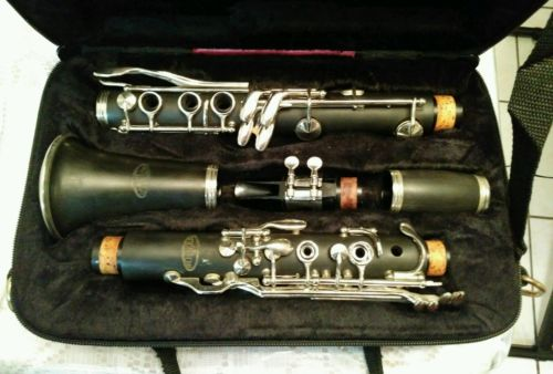 ORIGINAL RIDENOUR 147 CLARINET W/CASE & MP. COSMETICALLY, 9/10.