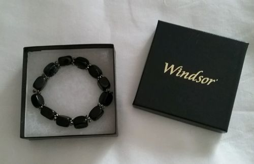 NEW IN BOX WINDSOR BLACK STRETCHY BRACELET