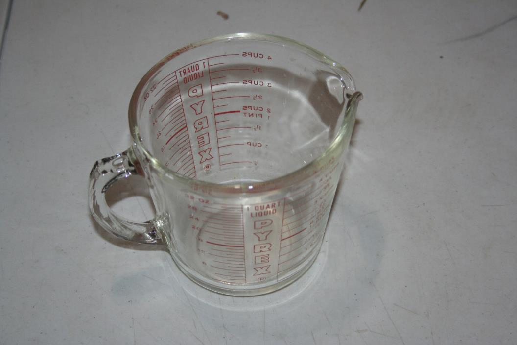 Vintage PYREX Glass 4 Cup Measuring Cup
