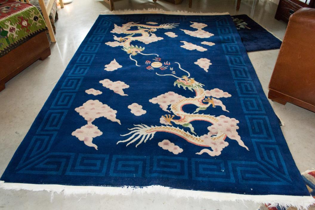 Vintage Chinese handknotted rug w dragon motif 5.5' x 8.5'