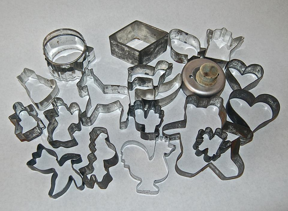 Vintage Metal Tin Cookie Biscuit Cutters Lot of 21