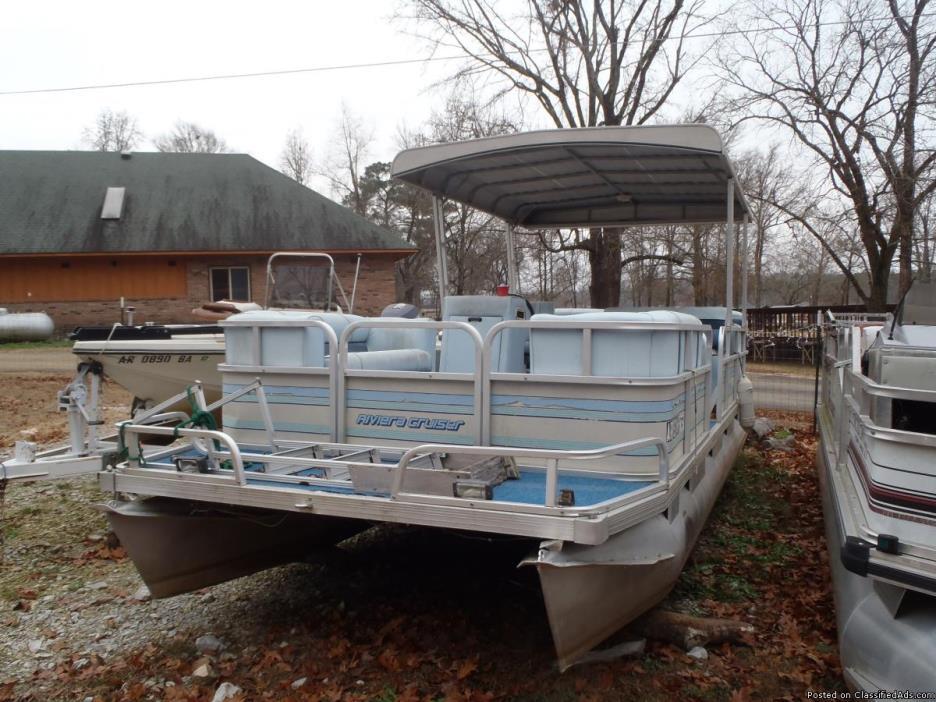 1990 Riviera Cruiser 24 ft Fun Deck. 100 hp Johnson. No trailer.