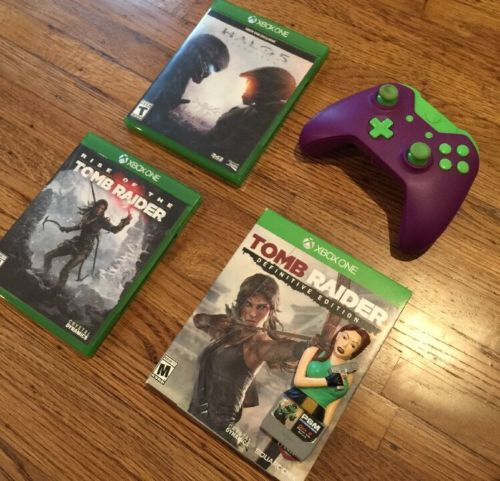 XBOX ONE game bundle + Controller