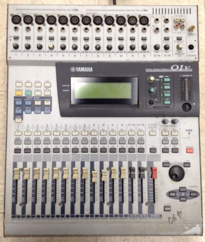 YAMAHA 01V DIGITAL MIXING CONSOLE 24 CHANNEL MIXER+OPT I/O DIGITAL MY8-TD