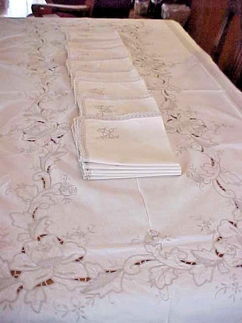 Vintage Crochet Tablecloth w/ Napkins~Off White~Rose Pattern~ Linen~ESTATE