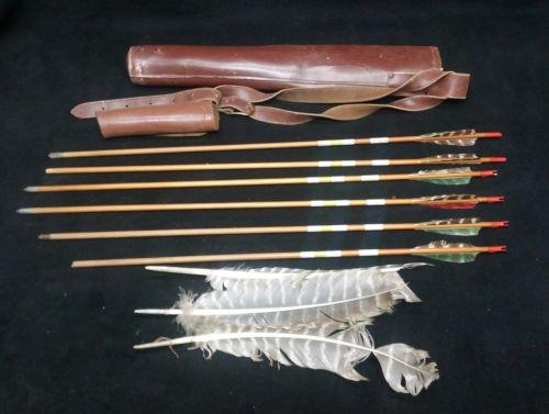 6 VINTAGE WOOD ARROWS W Sheath & Feathers