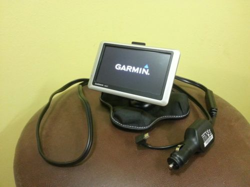 Garmin Nuvi 1450LMT GPS Navigation system 1450 Bean bag Dash Mount Bundle