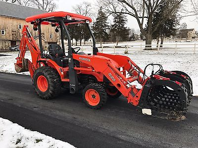 Kubota B26 Tractor Loader Backhoe Hydraulic Thumb and Grapple