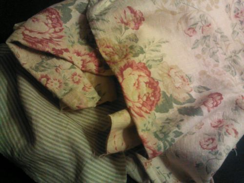 Beautiful Vintage Style French Country Linen Rose Floral Stripe Fabric Remnants
