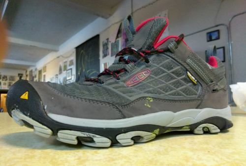 Keen waterproof mens size 8