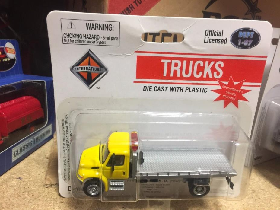 Boley HO  1:87 scale  International Auto Tow Flatbed Truck DEPT 1-87