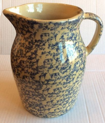 Roseville Pottery 2 Qt Spongewear Pitcher Vintage