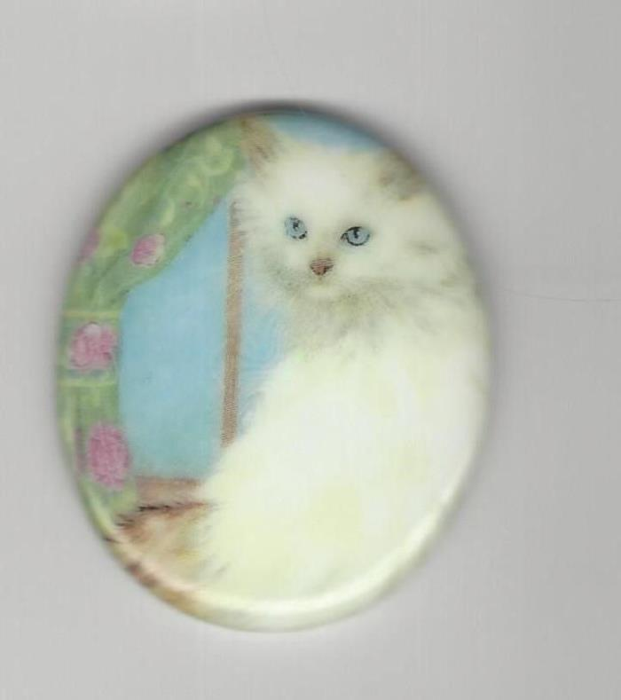 1 46x38mm Porcelain Cameo w/ White Cat in Window