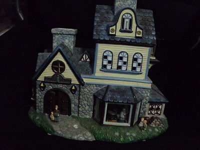 Partylite Olde World Village House / House Tealight Porcelain