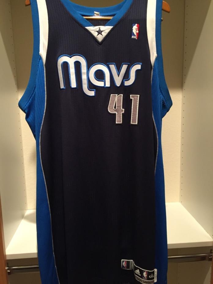 Dirk Nowitzki game worn jersey Meigray LOA - rare discontinued P Diddy alternate
