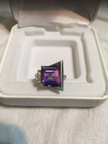 10KT White Gold Synthetic ALEXANDRITE Ring