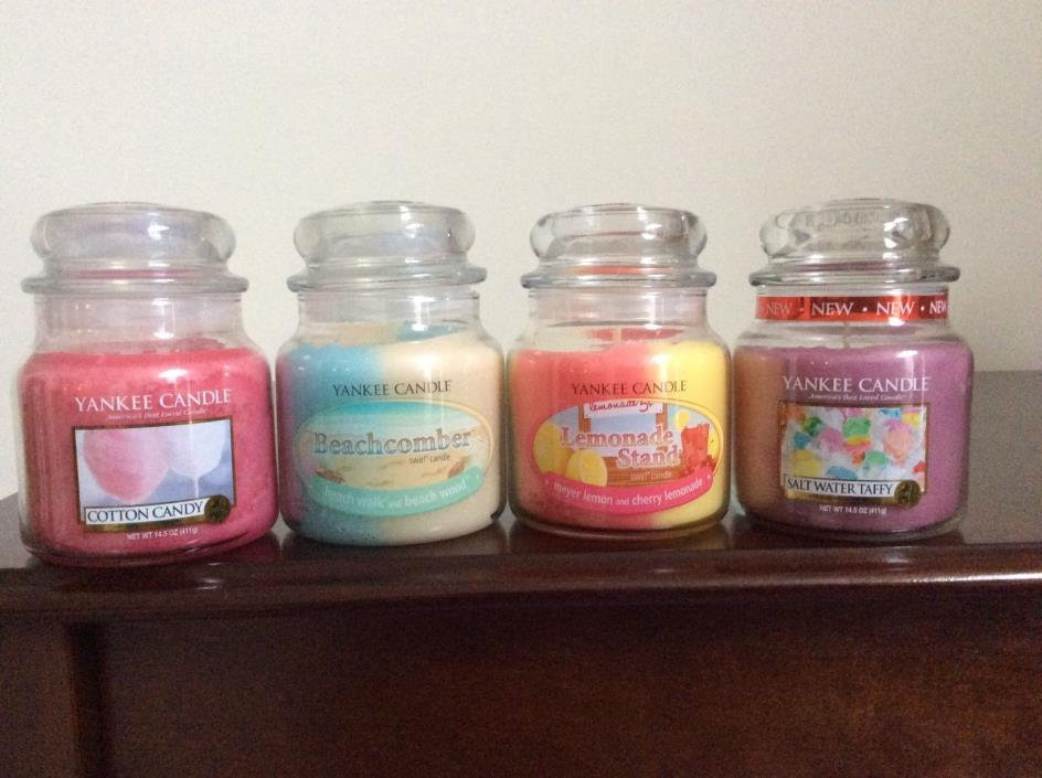 Yankee Candle~ Set of 4 Medium Jars ~ Lemonade Stand ~Cotton Candy ~ Beachcomber