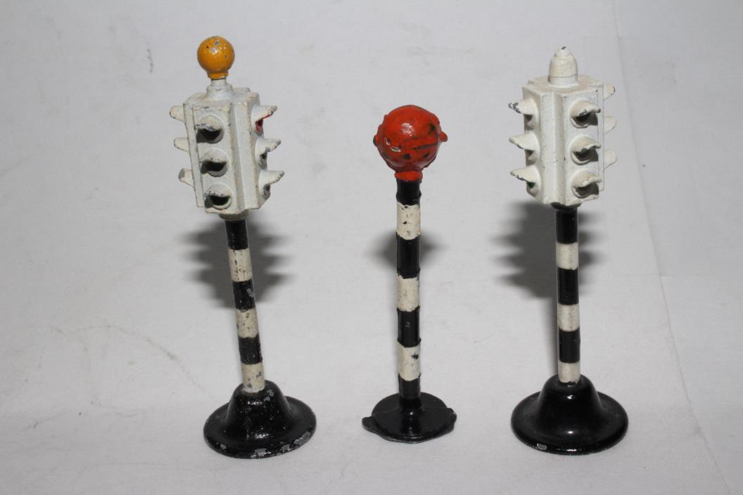 1950's Dinky #47 Traffic Control Lights, Set of 3, Nice Original